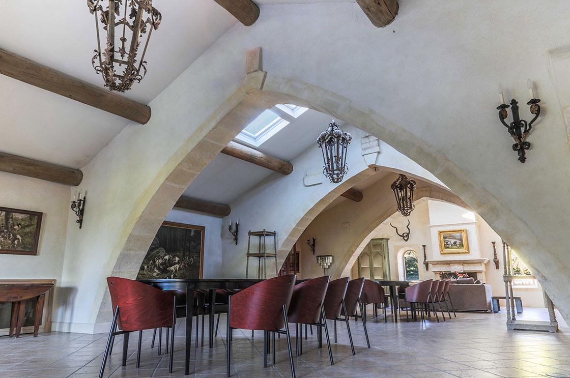 chateau_estoublon_lieu_reception_soiree_arles